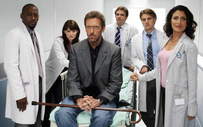 Hugh Laurie and others in TV series House, MD