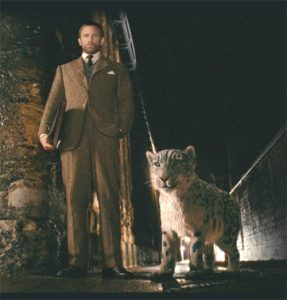 Daniel Craig as Lord Asriel with animal daimon in The Golden Compass (2007)