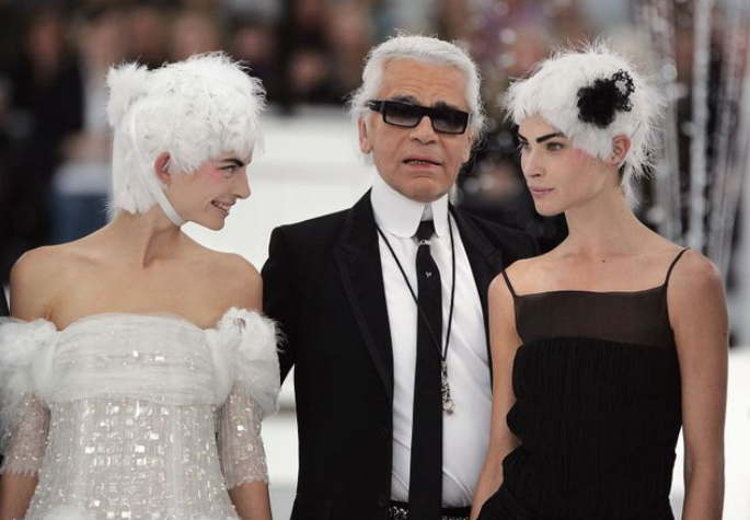 Karl Lagerfeld and models at a 2005 Chanel show